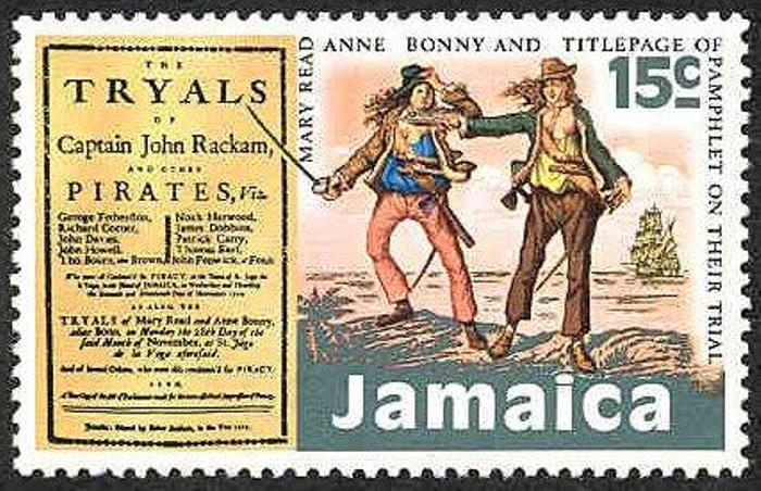 Почтовая марка, на которой изображены женщины-пираты Энн Бонни и Мэри Рид   Фото: corsairs-harbour.ru