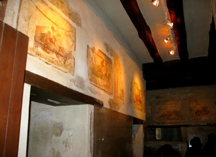 Фрески на стенах Лупанария | Фото: cheap-trip.eu